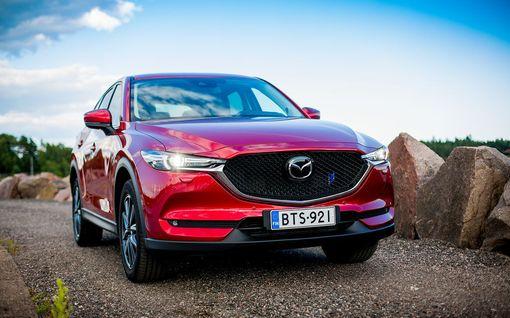 Premiumia vähemmän premiumiin hintaan? Koeajossa Mazda CX-5 Luxury