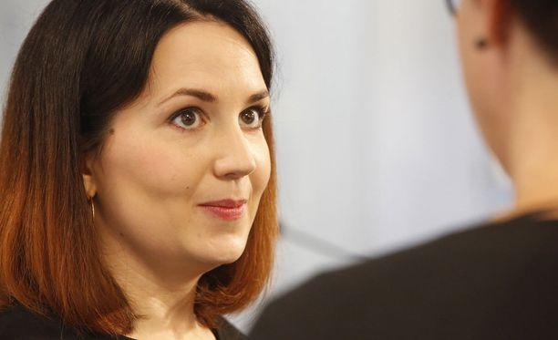Opetus- ja kulttuuriministeri Sanni Grahn-Laasonen ehdottaa opintotuen liittämistä perustulokokeiluun.