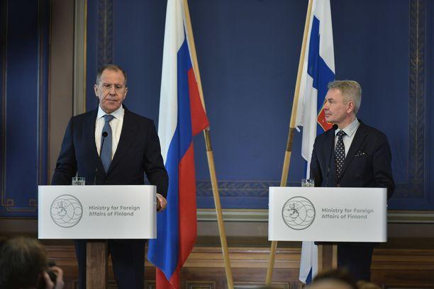 Venäjän ulkoministeri Sergei Lavrov ja Suomen ulkoministeri Pekka Haavisto tapasivat tiistaina Helsingissä.