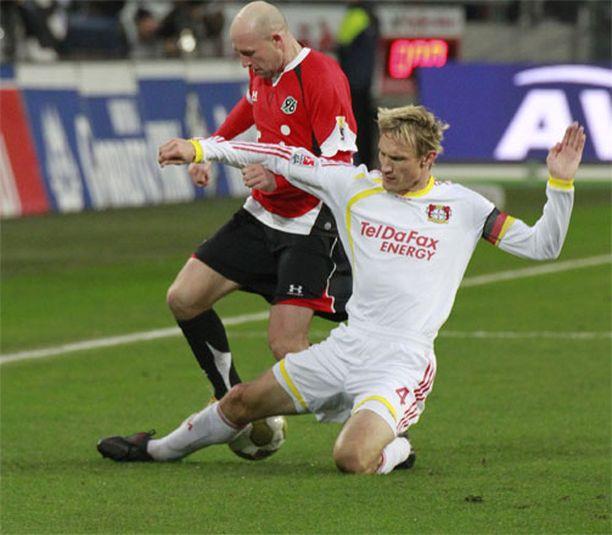 Kymmenen Liverpool-vuoden jälkeen Hyypiä siirtyi Saksaan Bayer Leverkuseniin 2009. Aivan kuten Liverpoolissa, myös Leverkusenissa hänestä tuli joukkueensa kapteeni