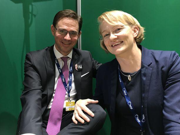 Mervi ja Jyrki Katainen pitävät Alexander Stubbin yllätystä torstaisessa EPP:n kärkiehdokasäänestyksessä mahdollisena.