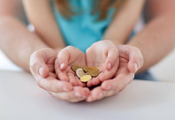 Viikkoraha opettaa lasta hallitsemaan omaa rahankäyttöään ja auttaa hahmottamaan, mitä kaikkea tietyllä rahasummalla saa tai ei saa.