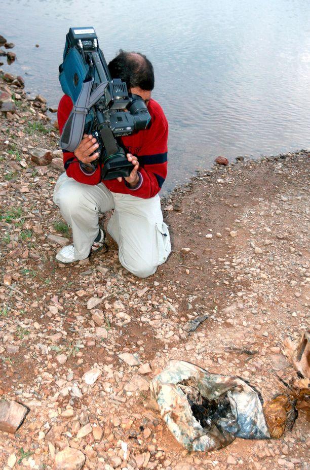 Portugalin Algarvesta löydettiin vuonna 2008 säkillinen luita, joiden epäiltiin olevan Madeleine McCannin jäänteet. Tutkimuksissa kuitenkin selvisi, että luut olivat peräisin eläimesta.