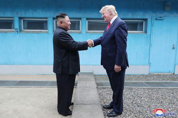 Donald Trump ja Kim Jong-un tapaamisessa kesäkuussa 2019.