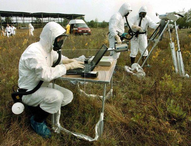 Ranskalaiset tutkijat mittasivat ja analysoivat vuonna 1999 säteilypitoisuuksia hylätyllä maatilalla noin kuuden kilometrin päässä Tshernobylistä.