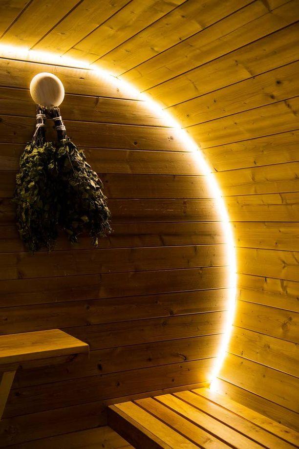 Pyöreän saunan lisäksi hyvankaupanpaikka.fi myy myös ovaalia saunaa.
