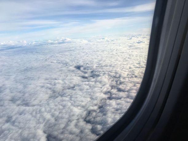 Pilvien päällä pääsee joka päivä näkemään päivänvaloa, iloitsee Roope Korhonen.