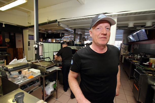 Tällä hetkellä ketjuun kuuluu yli 60 pikaruokaravintolaa.