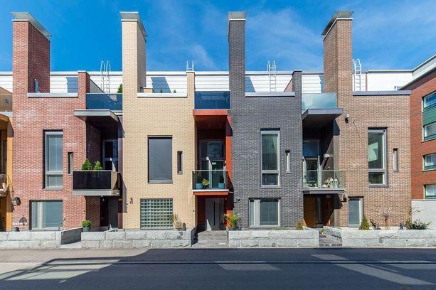 Tämäkin talo sijaitsee Helsingin Kalasatamassa.