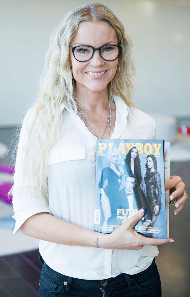 Susanna Tanni näki Playboy-lehden kuvauksissa vain yhden kuvaajan näyttämän otoksen. Lehden sisältö pysyi kaunottarelta salassa torstaihin saakka.