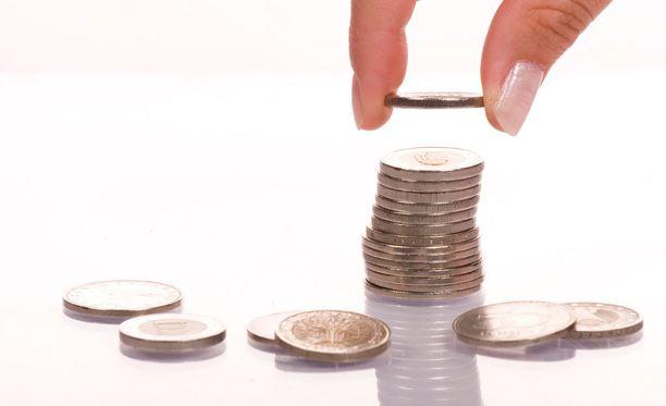 Palkkoja on tarkoitus nostaa vähitellen niin, että 15 taalaa saavutetaan vuonna 2022.