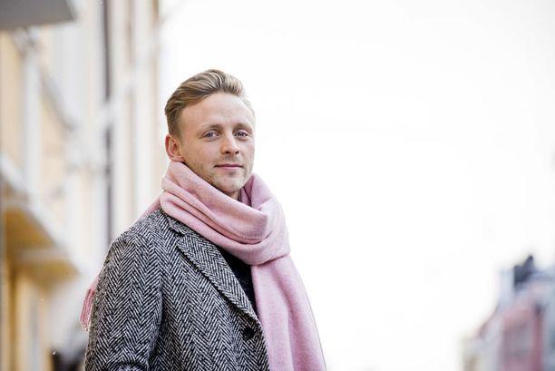 Reino Nordin odottaa jo kesää. Hän on kiertänyt festareita jo kymmenen vuotta, mutta tänä vuonna lavat vaihtuvat selvästi suurempiin.