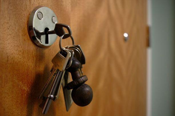Varkaan kynsiin joutunut auto ja asiakkaiden avaimet löytyivät myöhemmin. Avainten väärikäyttötapauksia ei ole tullut Helsingin Palvelukeskuksen tietoon. Kuvituskuva.