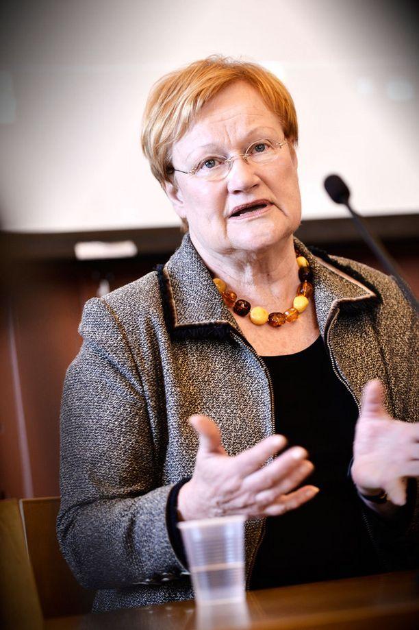 Tarja Halonen kiittelee Baltian maita aktiivisuudesta.