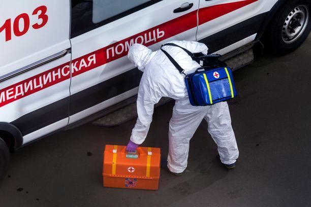 Koronaviruspotilaita hoitaneiden lääkäreiden kuolemat hämmästyttävät Venäjällä. Kuvituskuva.