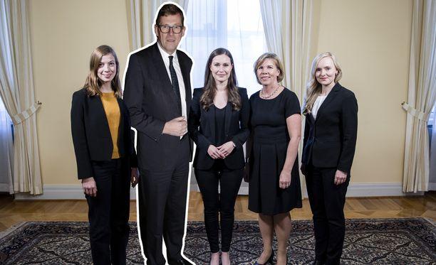 Viisikon yhteiskuva muuttuu melkoisesti, kun Matti Vanhanen ottaa Katri Kulmunin paikan. Uutta virallista yhteiskuvaa ei ole vielä otettu.