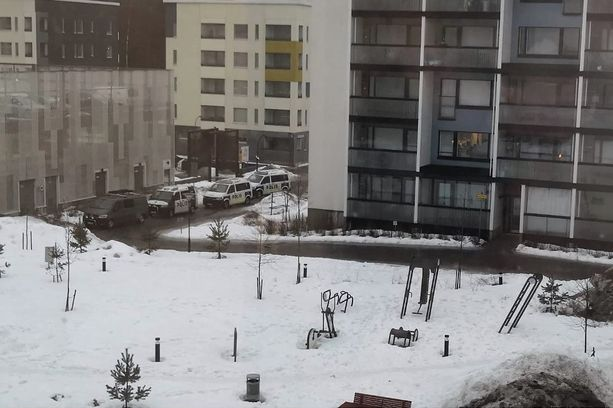 Itä-Uudenmaan poliisi otti kiinni epäillyn asemiehen Vantaan Leinelän uudessa kaupunginosassa.