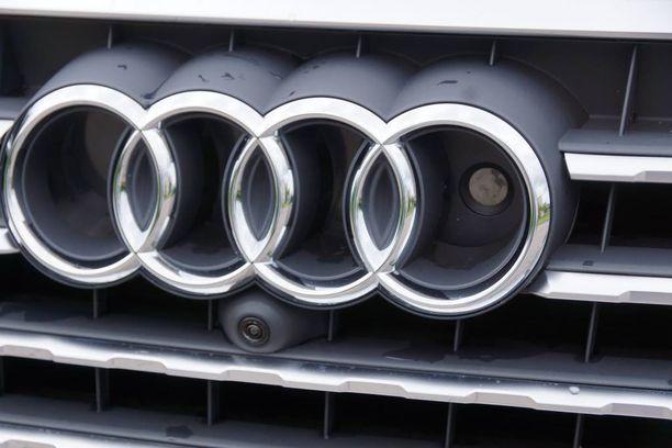 Audin rinkelilogon sisään ja viereen on istutettu tutka- ja kamera-antureita.