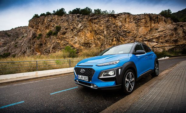 Hyundain muotoilulle ominainen Cascading Grille -säleikkö löytyy myös Konasta.