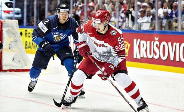 Mikkel Bødker oli Suomen puolustajille vaikea pideltävä keskiviikon ottelussa.