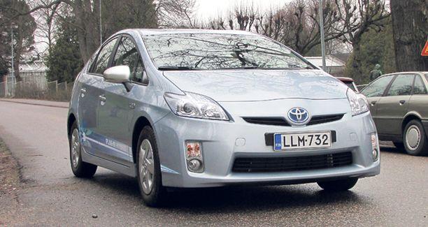 ÄLÄ NUOLAISE. Jos bongaat tämännäköisen auton, se on vasta testiauto. Ostaa voit vasta vuonna 2012.