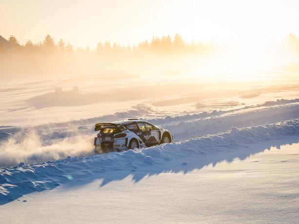 Valtteri Bottas ja Timo Rautiainen selvittivät Arctic-rallin erikoiskokeet viidenneksi nopeimmin.