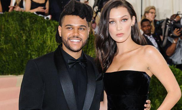 The Weeknd ja Bella Hadid seurustelivat melkein kaksi vuotta. Nyt suhde lämpenee jälleen.
