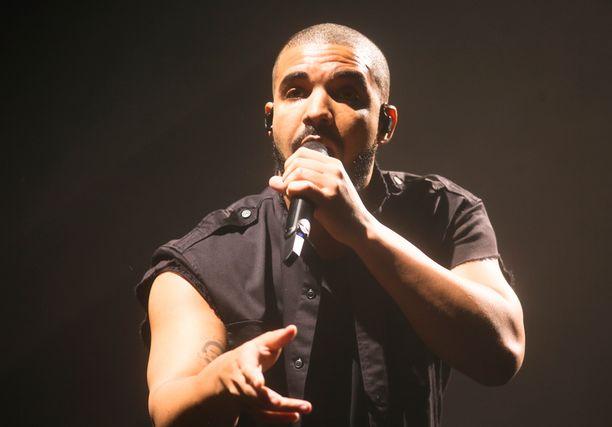 Niin ikään kanadalainen Drake eli Aubrey Drake Graham, 29, hätyytteli The Beatlesin ennätystä.
