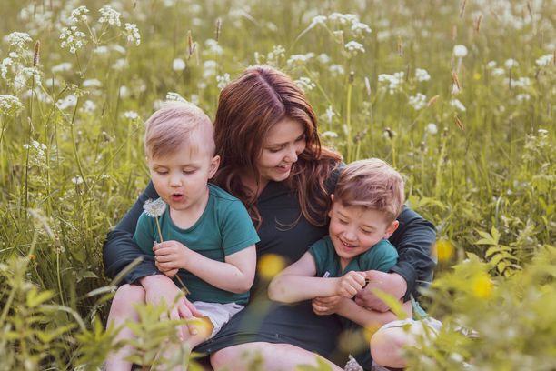 Krista haluaa antaa pojilleen lämpimiä lapsuusmuistoja. Siitä ei kuitenkaan saa ottaa paineita.