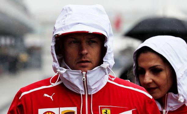 Kimi Räikkösen Kiinan GP päättyi pettymykseen.