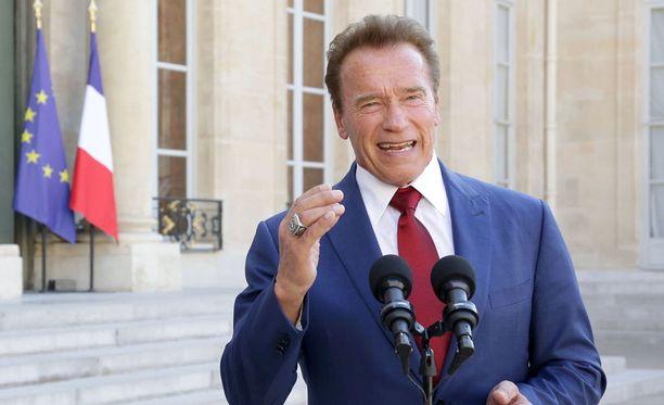Arnold Schwarzenegger tapasi Ranskan presidentin Emmanuel Macronin Pariisissa 23. kesäkuuta 2017.