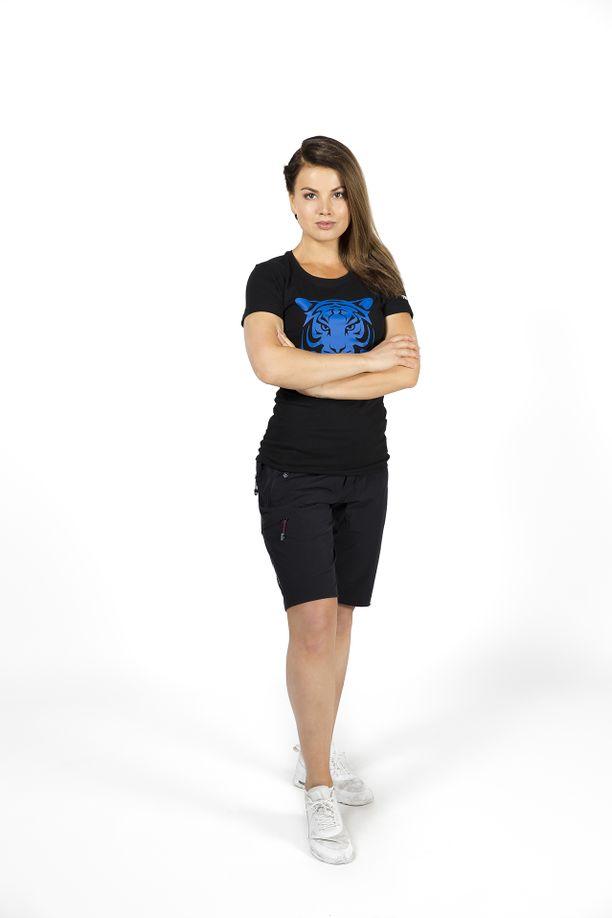 Janni Hussi pärjää heittäytymistä kysyvissä extreme-kisoissa.