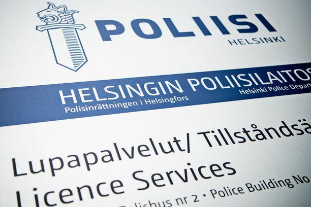 Poliisi kehottaa ensisijaisesti turvautumaan sähköiseen asiointina.