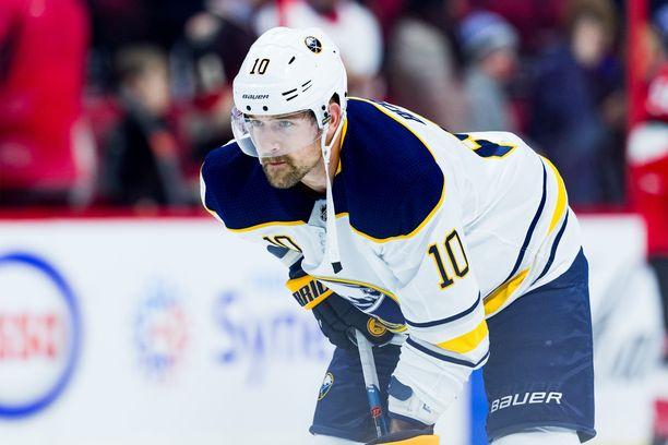 Patrik Berglund hukkasi peli-ilonsa, kun hänet myytiin St. Louis Bluesista Buffalo Sabresiin.