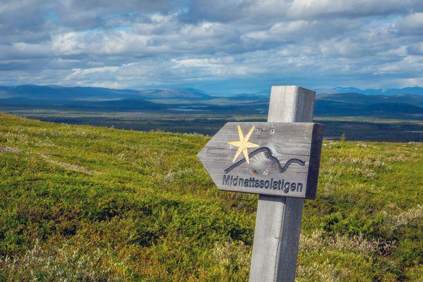 Pohjoinen luonto on Kiirunan tärkein matkailuvaltti. Midnattsolstigen on suosittu vaellusreitti, joka kulkee Kiirunan alueella.