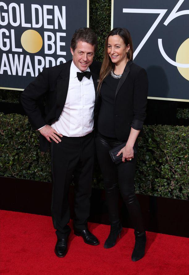 Hugh Grant ja Anna Eberstein osallistuivat alkuvuonna Golden Globe -gaalaan.