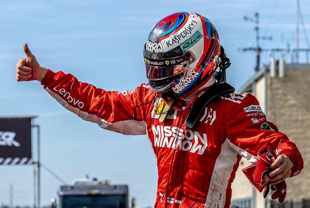 Ferrarin Kimi Räikkönen juhli uransa 21. osakilpailuvoittoa Texasissa.