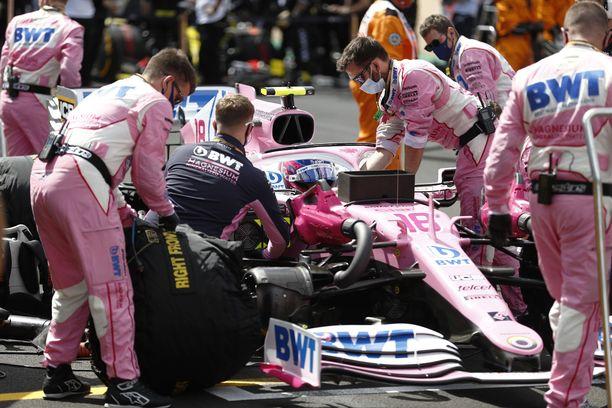 Racing Pointia on kutsuttu tällä kaudella toistuvasti muun muassa pinkiksi Mercedekseksi.