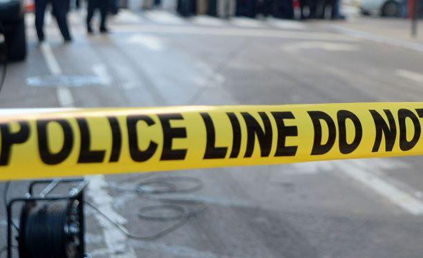 Texasin yliopiston kampuksella puukotettiin kolmea ihmistä, joista yksi kuoli surmapaikalle. Kaksi muuta kiidätettiin sairaalahoitoon. Kuvituskuva.
