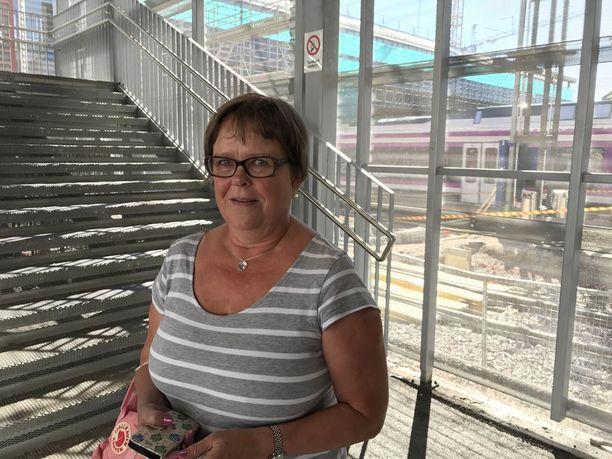 Marja-Leena Haapamäki, 61, kannattaa Veturimiesten liiton mielenilmausta.