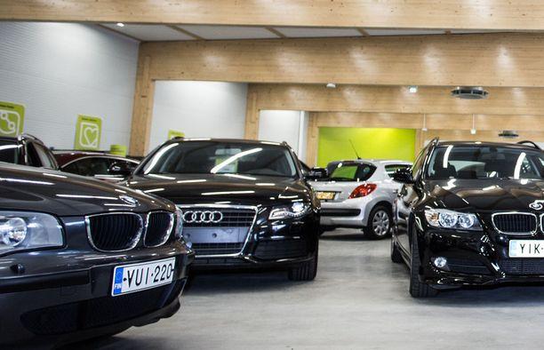 BMW oli haetuin automerkki, mutta VW Passat ja Golf olivat automalleista himoituimmat.