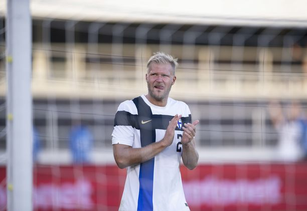 Paulus Arajuuri on Suomen joukkueen taisteluhengen ruumiillistuma.