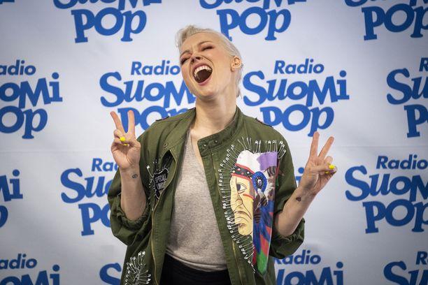 Anna Puu esiintyi 12. kesäkuuta Helsinki-päivän konsertissa.