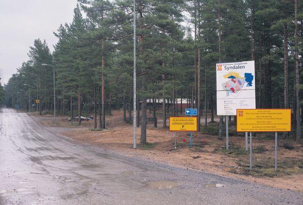 Merisotakoulun ampumaharjoituksessa Syndalenissa sattui keskiviikkona ampumaonnettomuus, missä kuoli varusmies.