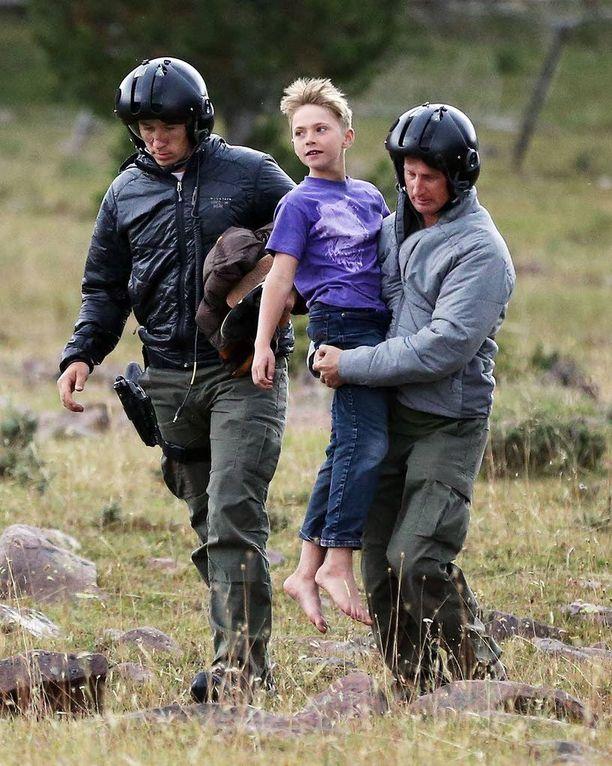 Helikopterilentäjät kantoivat Malachin perheensä luo Utahin Uintahissa lähellä Wyomingin rajaa