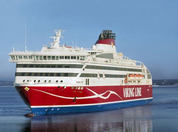 Nainen kertoo Iltalehdelle joutuneensa huolehtimaan yksin jätetystä lapsesta Viking Line -laivalla keskiviikkoiltana. Kuvituskuva.