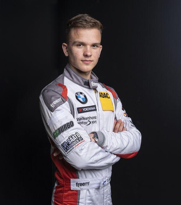 Kilpa-autoilija Sami-Matti Trogen rakentaa ammattilaisuraa Saksassa.