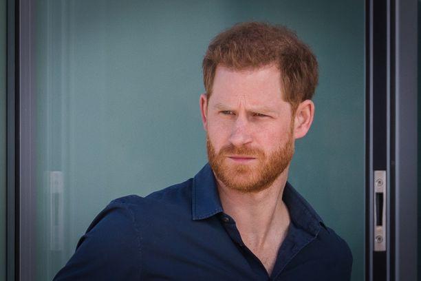 Prinssi Harry jätti brittihovin ja muutti Yhdysvaltoihin.