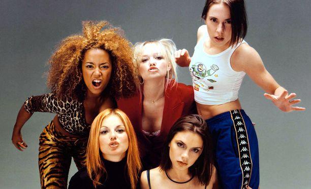Spice Girls nousi 1990-luvulla maailman suosituimmaksi tyttöbändiksi.