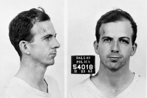 Lee Harvey Oswald jäi kiinni murhattuaan presidentin ja yhden poliisin. Dallasilaismies murhasi hänet kaksi päivää myöhemmin poliisien nenän edessä.